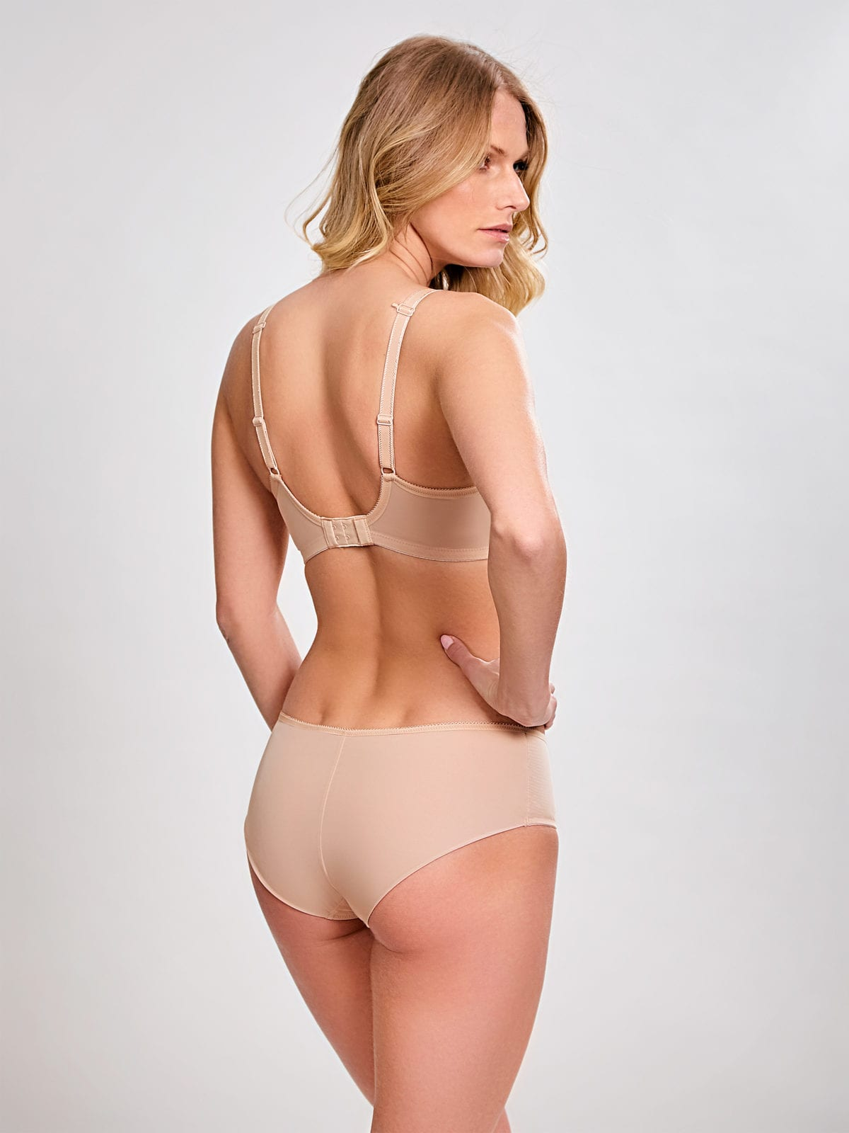 Базовое белье 7961_076_Cari Spacer Bra Champagne BackTrade 4