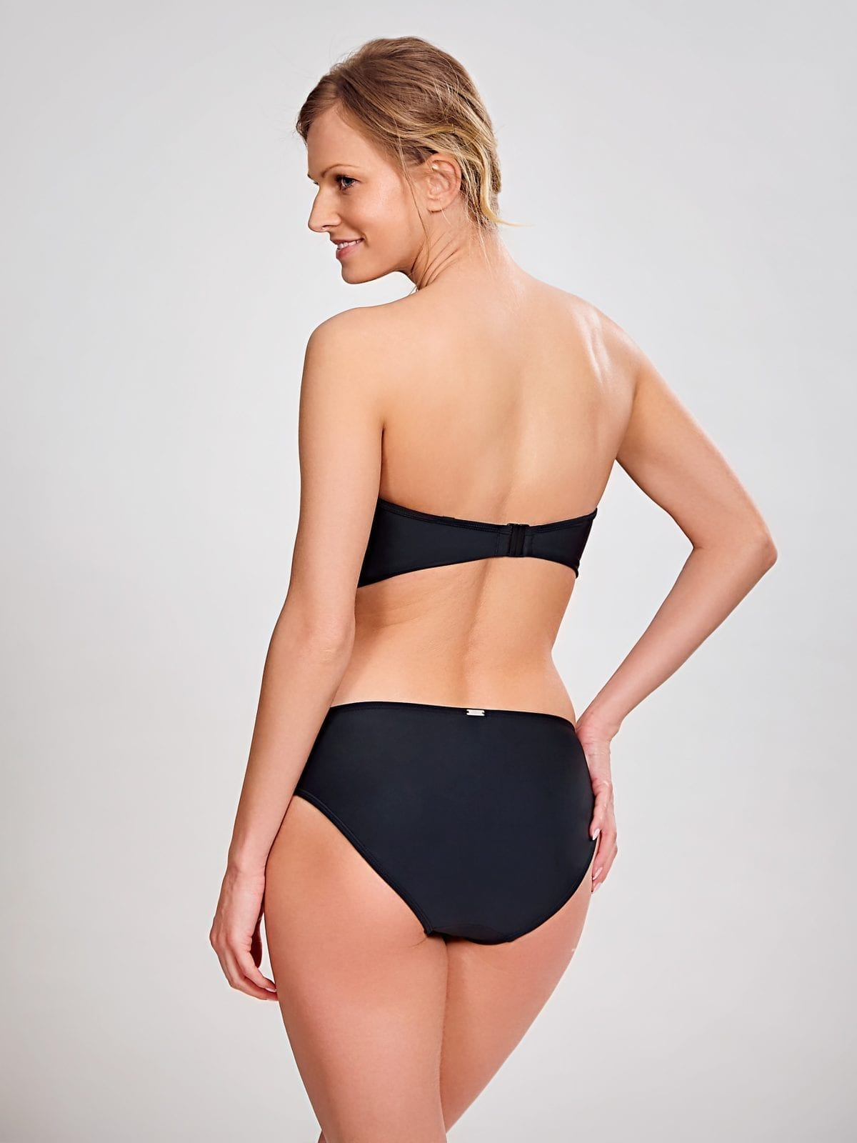 Базовые купальники SW0883_013_Anya Bandeau Bikini Top Black Back Trade 4-min